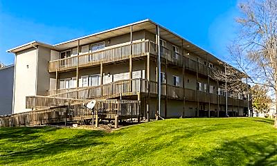 Building, 417 W Zeller St, 1