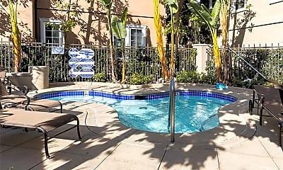 Pool, 1 Via Amanti, 2