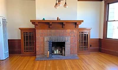 Living Room, 912 Union St, 1