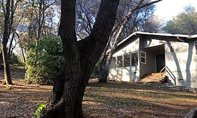 Building, 750 Lester Ln, 1