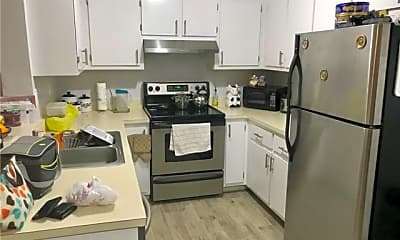 Kitchen, 400 Palm Cir, 0