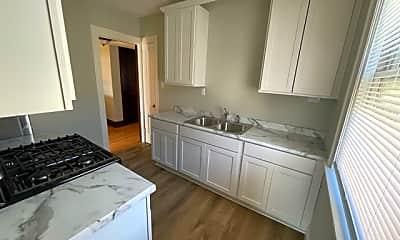 Kitchen, 2322 Garfield Ave Apt 4, 2