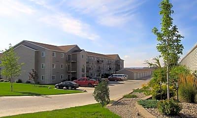 Building, Bakken Heights Apartments, 0