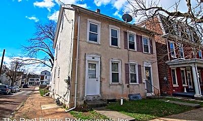 Building, 858 Queen St, 0