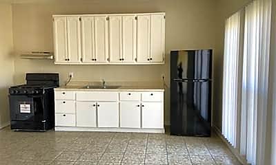 Kitchen, 1018 W 57th St, 1