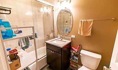 Bathroom, 3138 S Indiana Ave, 2