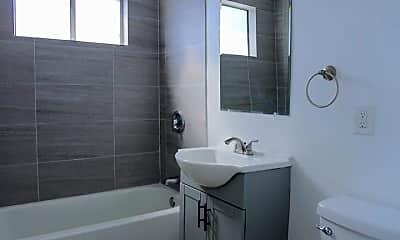 Bathroom, 1551 N Avalon Blvd, 2