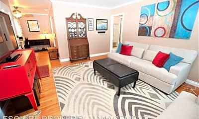 Living Room, 6220 Bristol Rd, 1