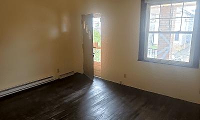 Living Room, 642 Olive Ln, 1