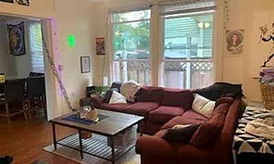 Living Room, 319 N Lincoln St, 1