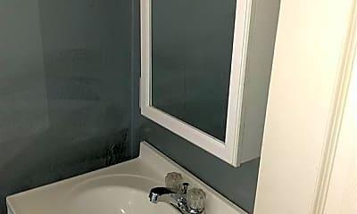 Bathroom, 99 Center St 2, 2