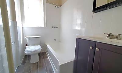 Bathroom, 54 Linden Ave, 2