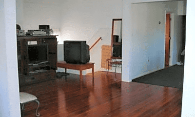 Living Room, 823 Anderson Ave, 1