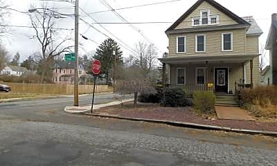 312 Braeside Ave, 2