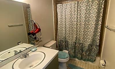 Bathroom, 509 Washtenaw Ave, 2