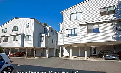 Building, 10540 Whitman Ave N, 1