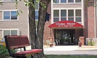Clinton Manor, 0