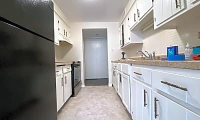 Kitchen, 7035 W Irving Park Rd, 0