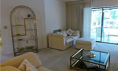 Living Room, 5232 Everwood Run, 1