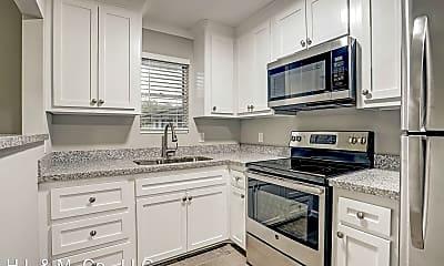 Kitchen, 405 Hawthorne St, 1