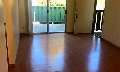 Living Room, 5410 Phoenix Ave NE, 0