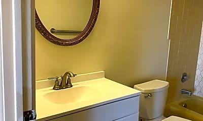 Bathroom, 2300-2310 N Harlem Avenue, 2