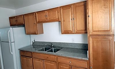 Kitchen, 3671 Vinton Ave, 1
