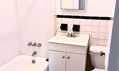 Bathroom, 2029 Ryer Ave 2, 2