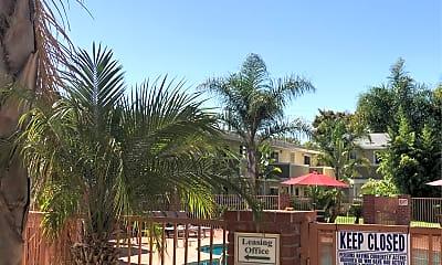 Ranchero Plaza, 2
