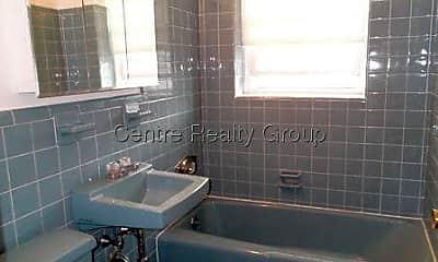 Bathroom, 97 Farwell St, 2