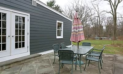Patio / Deck, 33 Meadowview Rd, 2
