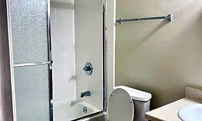 Bathroom, 14400 E 14th St, 2