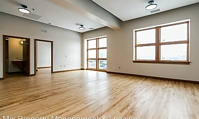 Living Room, 346 2nd Ave SW, 0
