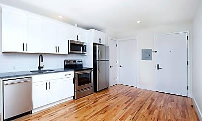 Kitchen, 2779 University Ave 3-BR, 1