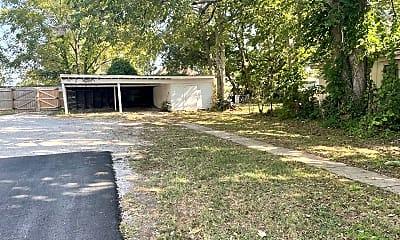 Building, 1035 W Walnut St, 1