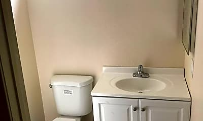 Bathroom, 618 8th St, 2