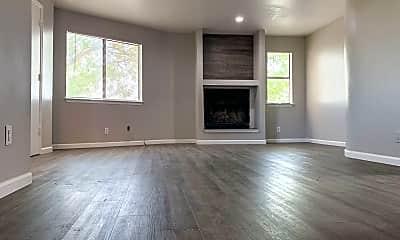 Living Room, 530 Tennessee St NE, 1
