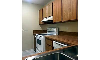 Kitchen, 1014 Twin Lakes Dr, 0