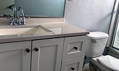 Bathroom, 627 Marion Pl 6, 2