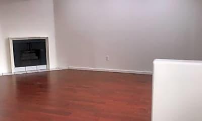 Living Room, 13022 Riverside Dr, 1