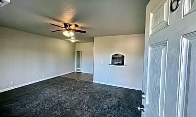 Living Room, 6032 Gettysburg Pl, 1