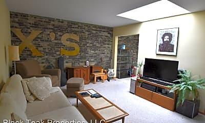 Living Room, 424 N Main St, 0