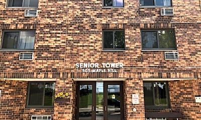 Senior Tower, 1