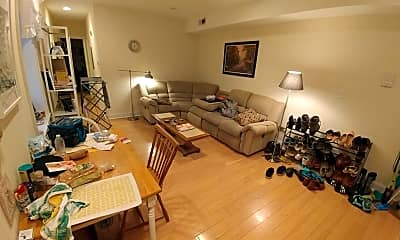 Living Room, 1624 Mt Vernon St, 1