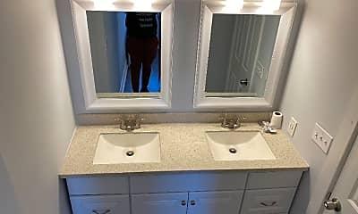 Bathroom, 2000 Washington St, 1