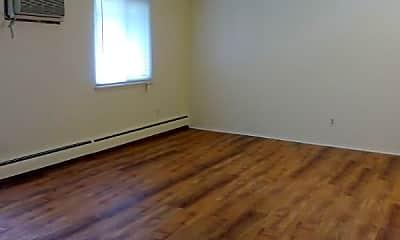 Living Room, 555 E Lewiston Ave, 1