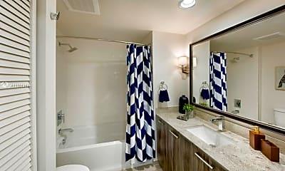 Bathroom, 3550 NW 83rd Ave 724, 1