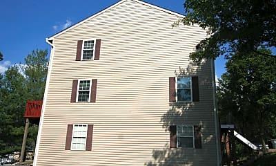 Building, 4468 Blue Heron Way, 2