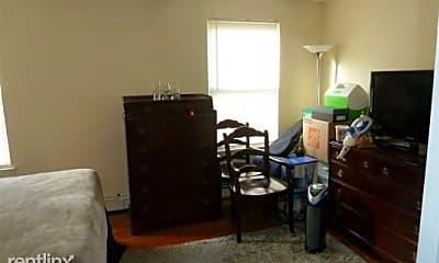 Living Room, 51 Garden St, 2