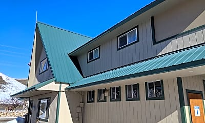 Building, 822 US-95, 1